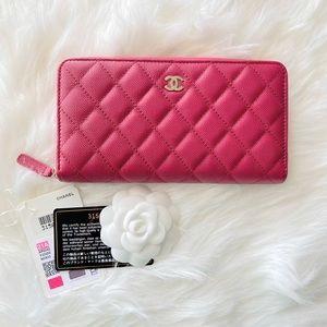 Chanel   21A Classic Long Zipped Wallet - BN